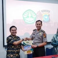 Penandatanganan MoU perpanjangan kerja sama antara FK UNRI dan Bidokkes Polda Riau